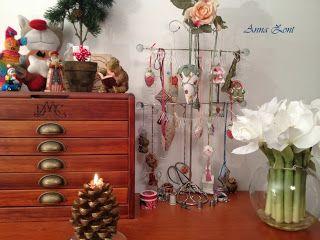Let's come together: Merry Christmas and Happy New Year! Hyvää Joulua ja Onnellista Uutta Vuotta! Joyeux Noël et Bonne Année!