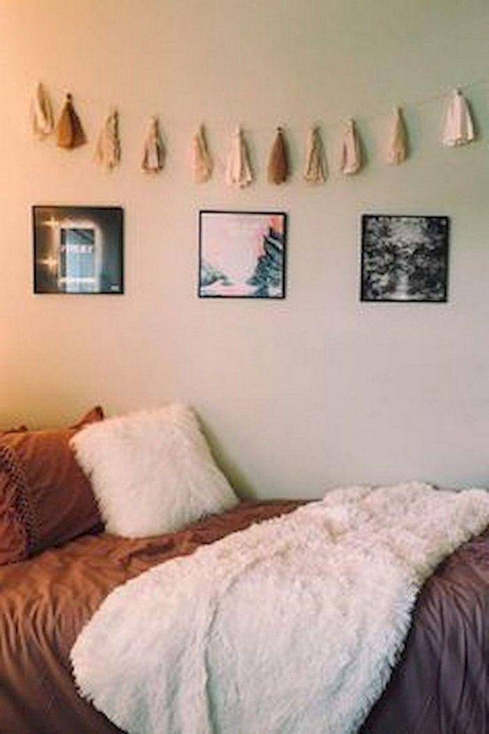93 Beautiful And Inspiring Dorm Room Decorating Design Ideas 58 In 2020 Dorm Room Decor Girls Dorm Room Minimalist Dorm
