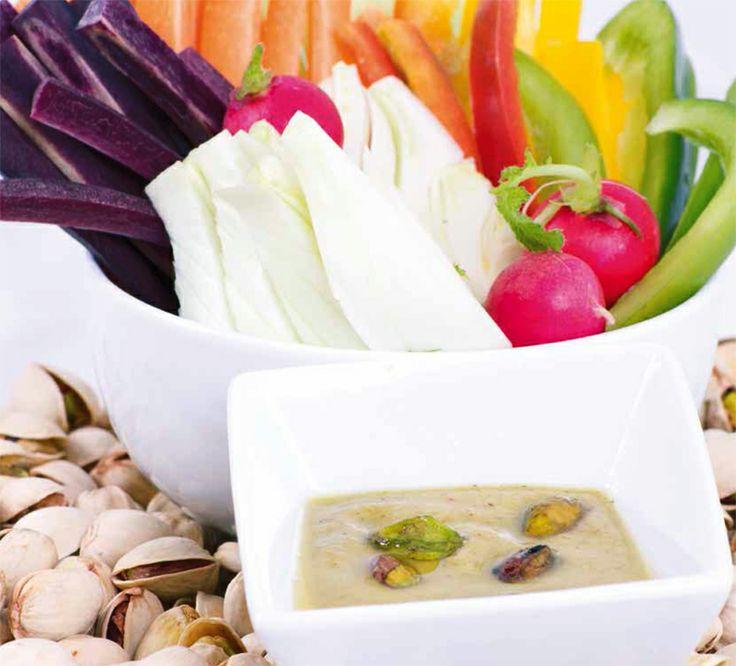 Pinzimonio di #verdure con dressing di #pistacchi, una #ricetta perfetta per un #brunch davvero chic: http://www.saporie.com/it/doc-s-135-11955-1-pinzimonio_di_verdure_con_dressing_di_pistacchi.aspx