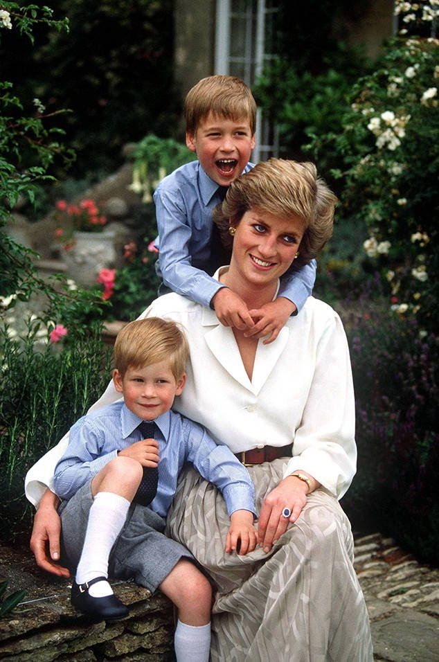 "Prince William Jokes Princess Diana Would Have Been a ""Nightmare"" Grandmother #Paparazzi #diana #jokes #nightmare #prince"