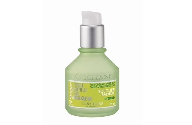 Loção Protetora Facial Angélica FPS 40, L'Occitane. Este creme refrescante traz uma sensação de hidratação imediata, além de manter a pele r...