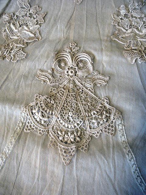 Lace motif white on white