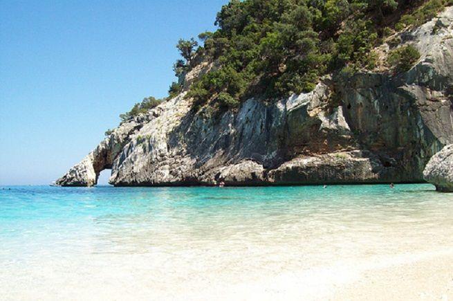 Cala Goloritzè, una de las mejores playas del mediterráneo en Cerdeña