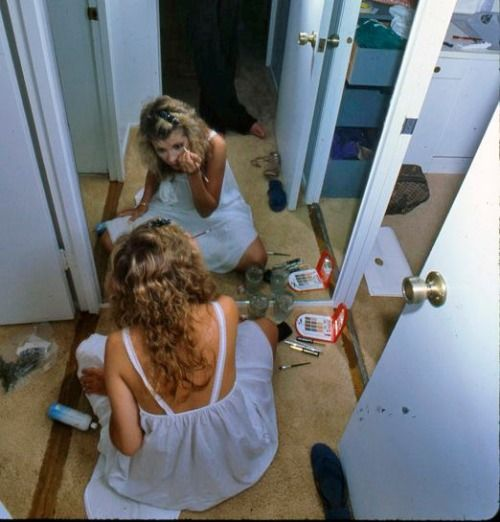 Style idol.. Stevie Nicks doing her makeup #veraxane #monthlymuse