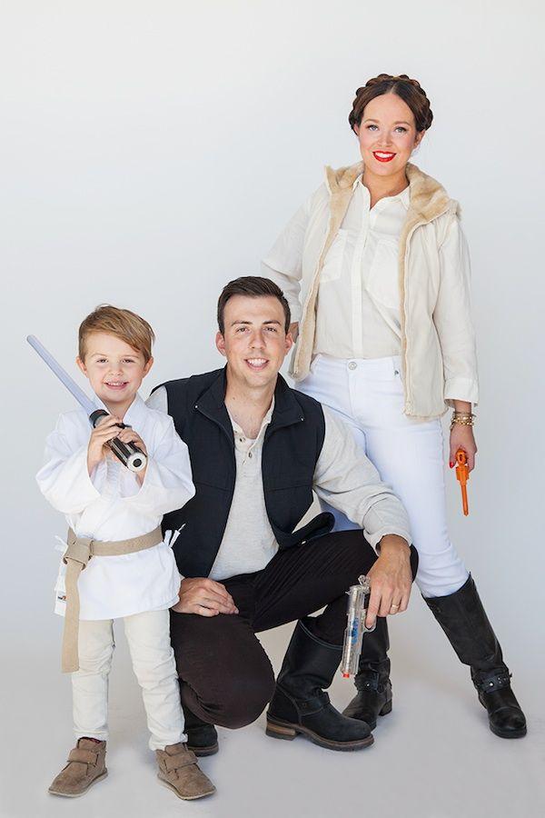 5 disfraces caseros de Star Wars 5 disfraces caseros para Carnaval de Star Wars. Divertidos disfraces de Carnaval de Jedi, Han Solo, Leia, piloto de la Resistencia, etc.