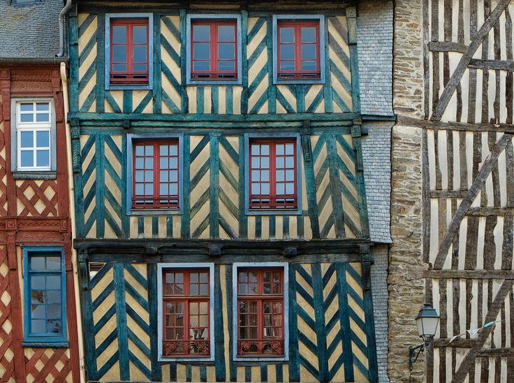 Bunte Fachwerk-Häuserfassaden in Rennes