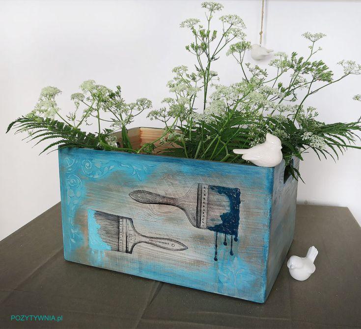 Pudełko na pędzle, pasta strukturalna, farby akrylowe