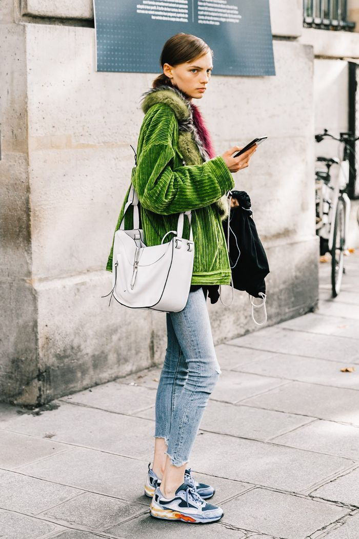 If you're looking to stay comfortable when it's cold out, here's how to style sneakers in the winter.