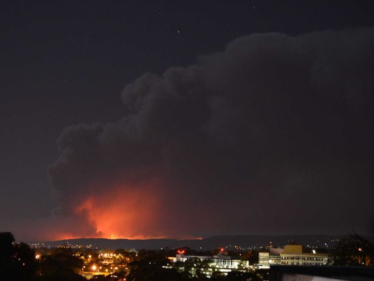 A view to the fire at Humbug Scrub as seen from Adelaide suburb of Bedford Park. (Supplied: Sharyn Cunnington)