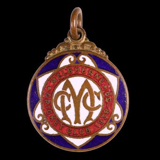 1938-39 Melbourne Cricket Club Enamel Badge No.2947