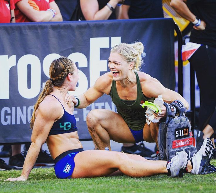 Brooke Wells & Katrin Davidsdottir: 2016 CrossFit Games Murph