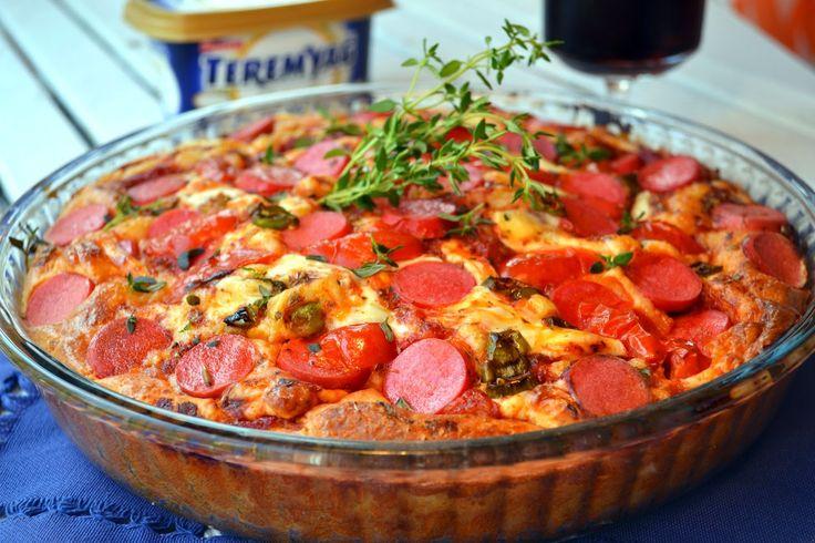 PRATİK KAHVALTI PİZZASI   Pratik Kahvaltı Pizzası     Malzemeler (6-8 kişilik):  Hamur için: ...