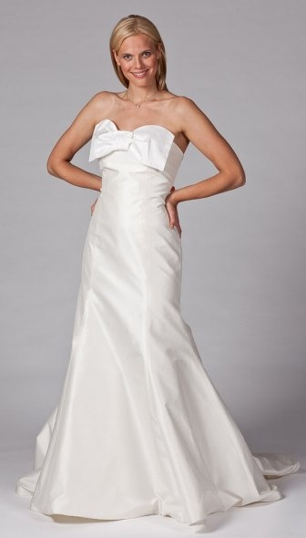 Beautiful bow wedding dress designed by Coren Moore. / Wedding Dresses 2013
