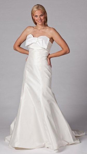 Beautiful bow wedding dress designed by Coren Moore. / Wedding Dresses 2013