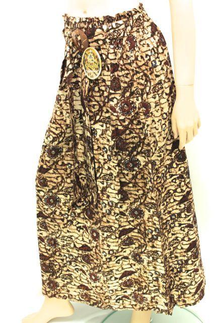 Bestel gemakkelijk zittende Batik Rok met elastiek in het crème/zwart/bruin.. Kijk hier... - € 34,95