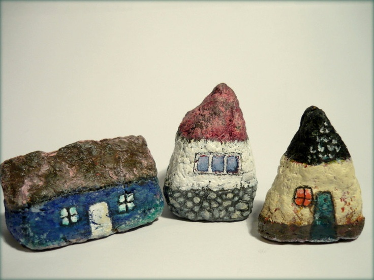 289 best painted rock houses images on pinterest painted for Papier mache rocks