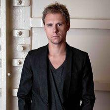 """Armin Van Buuren - Armin Van Buuren è un dj e produttore di musica trance olandese, ha occupato la prima posizione mondiale della """"Top 100 DJs"""" stilata da """"DJ Mag"""", dal 2007 al 2010, venendo superato da David Guetta nel 2011. Da marzo 2011 trasmette settimanalmente uno show ..."""