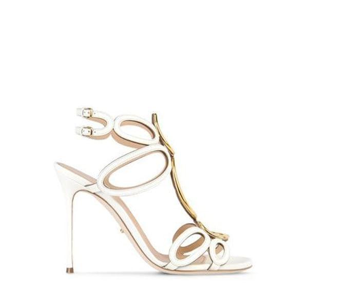 Tacco a spillo e piede nudo: arrivano i sandali dell'estate