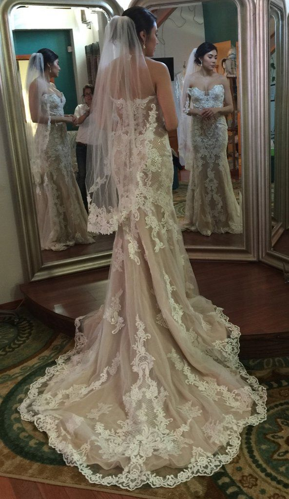 Maggie Sottero Autumn Lace Size 6 Used Wedding Dress Nearly