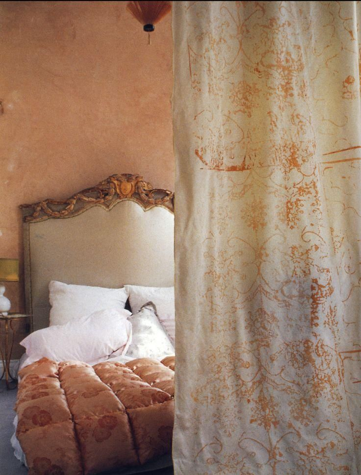 20 Charming Coral Peach Bedroom Ideas to Inspire You