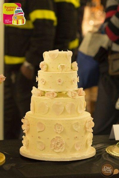 """Secondo Trofeo Fantasy Cake - Genova 2014. Vincitore Categoria """"Flower"""" Francesca Belfiore"""