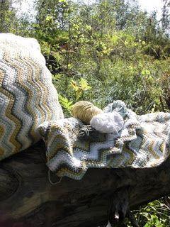YlloTyll Garnblogg: Virkade kuddar