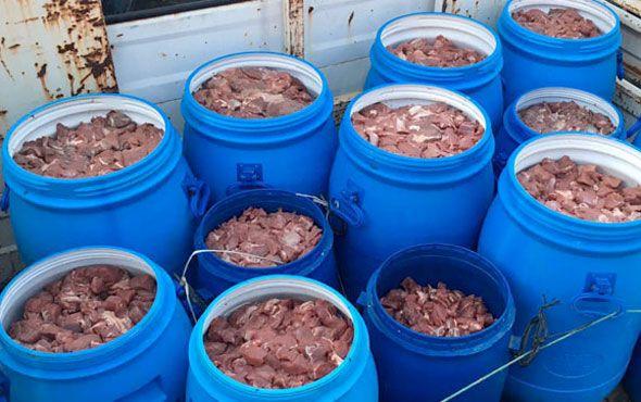 """Satışa hazır 5 ton domuz eti ele geçirildi  """"Satışa hazır 5 ton domuz eti ele geçirildi"""" http://fmedya.com/satisa-hazir-5-ton-domuz-eti-ele-gecirildi-h32590.html"""