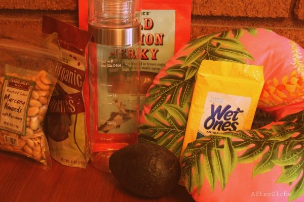 What to Pack for a Trip to Hawaii.  I have been to Hawaii but I needed a bit more stuff.  LOL!