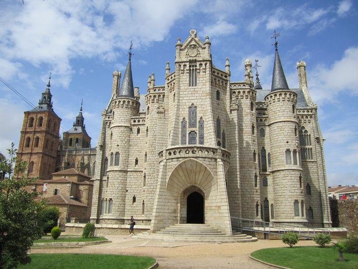 Palacio Episcopal de Astorga, León, Camino de Santiago