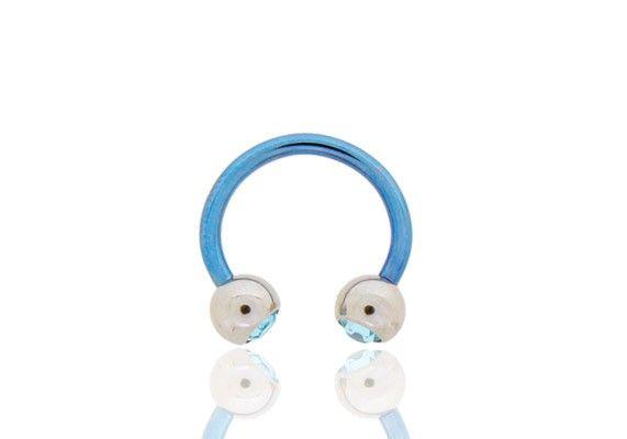 FER À CHEVAL TIGE BLEUE 11MM BILLE ACIER http://www.aiapiercing.com/piercing-oreilles/cartilage-helix-et-anti-helix/fer-a-cheval-tige-bleue-11mm-bille-acier Billes en acier de 5mm vissables avec strass bleu. #bleu #piercing #feracheval