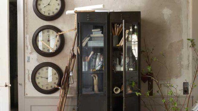 10 casiers métalliques à découvrir // http://www.deco.fr/diaporama/photo-casiers-metalliques-pour-rangement-industriel-39552/