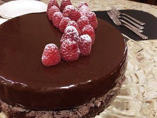 Club Foody Recipes and Videos: Chocolate Raspberry Cake  with a Mirror Glaze