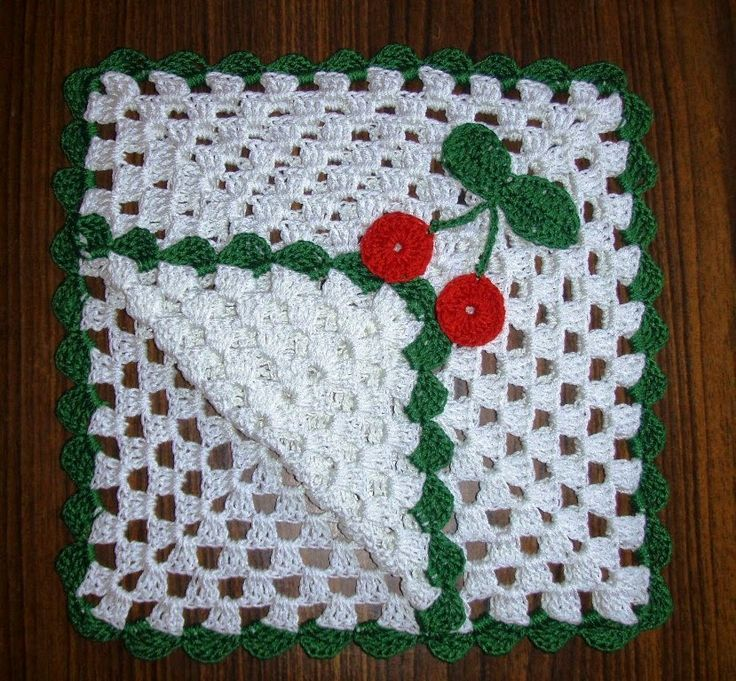 Free Crochet Patterns: christmas paper napkin hold…