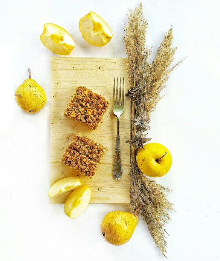 Celozrnný špaldovo-jablkový koláčik.  #jablkovy #kolac #koláč #jablkovykolac #celozrnny #spaldovy #špaldový #spaldovykolac #spalda #jablko #jablka #nitra #pecenie #pečenie #zdravepecenie #donaska #zdravastrava #sladke #sladky #zdravy