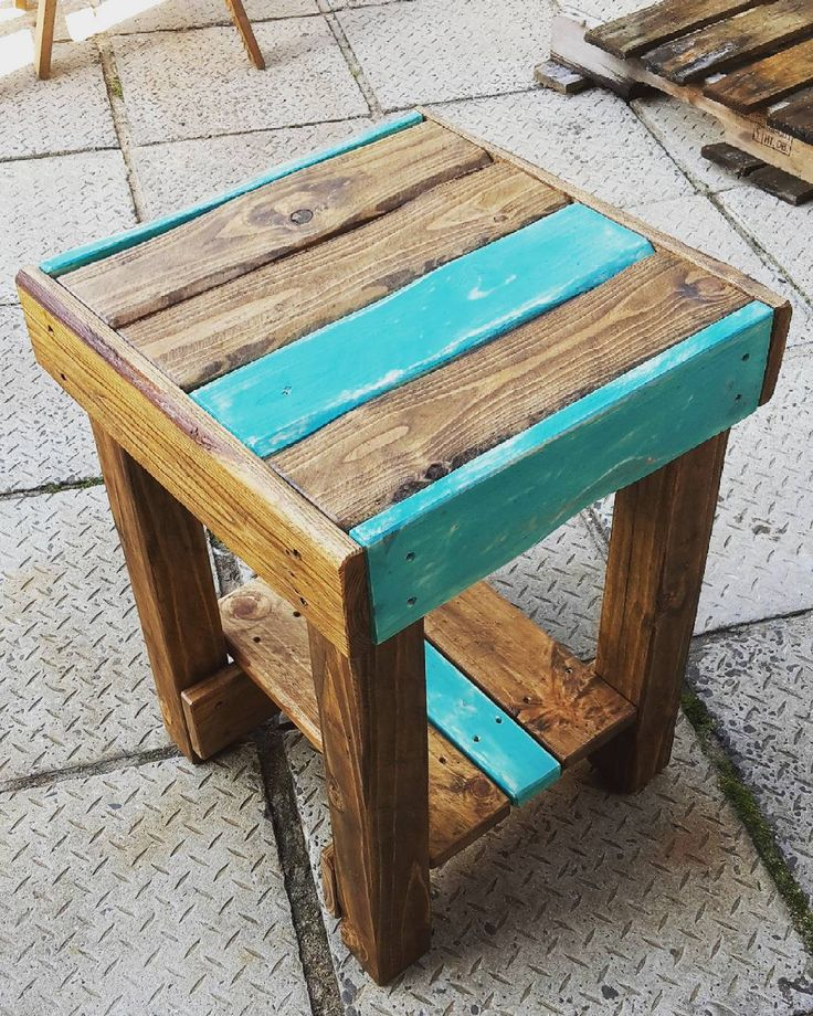 1000 Ideas About Pallet Side Table On Pinterest Pallet Furniture Pallets And Side Tables