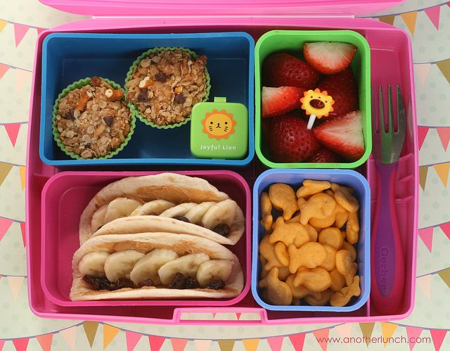 """""""Banana Tacos"""" - Looks good (minus raisins.. ): Bento Lunches, Toddler Lunches, Laptop Lunch, Lunch Ideas, Food, School Lunches, Yummy, Kiddo"""