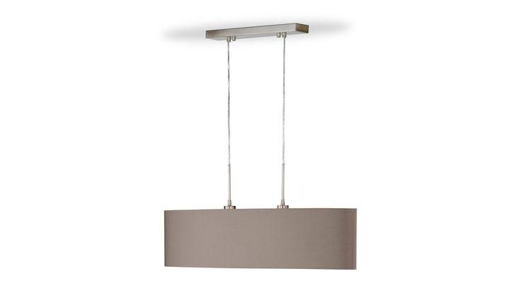 Die Pendelleuchte Finn fügt sich gut über einem Tisch oder einem Tresen in Ihre Einrichtung ein. Mehr auf: https://shop.webermoebel.de/online-shop/produktdetails-1043-1049-id1029306/kaufen-Moebel-Weber-Herxheim/Moebel-A-Z-Lampen-und-Leuchten/Pendelleuchte-Fischer-und-honsel-aus-Metall-in-Braun-Nickelfarben-Pendelleuchte-Finn-cappuccinofarbener-Lampenschirm-und-vernickelter-Sockel-Breite-ca-100-cm-guenstiger.html
