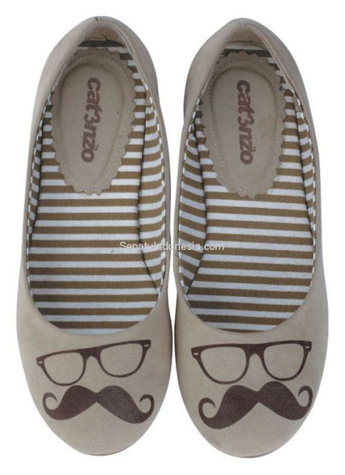 Sepatu casual CAK 701 adalah sepatu wanita yang nyaman dan...