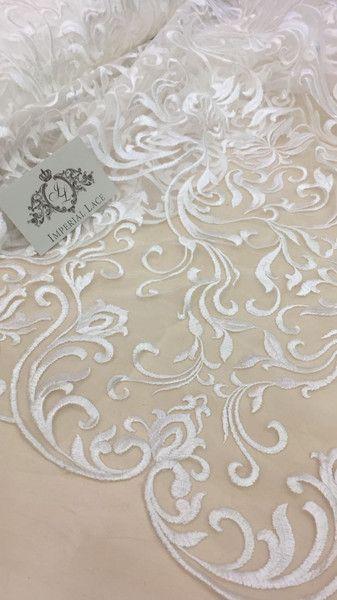 Spitze - Elfenbeinern Chantilly Spitze, Hochzeitsspitze - ein Designerstück von ImperialLace bei DaWanda