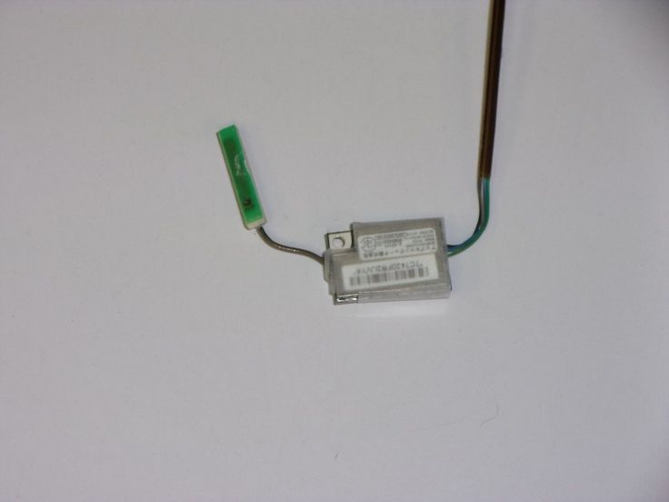 Apple MacBook Pro A1226 Bluetooth Board W/Cable and Antenna 820-1829-A 631-0305