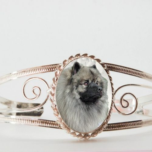 New cuff bracelets have arrived!  They make stylish, comfortable and affordable photo keepsake bracelets and gifts for dog lovers!  Check them out.  $24.99