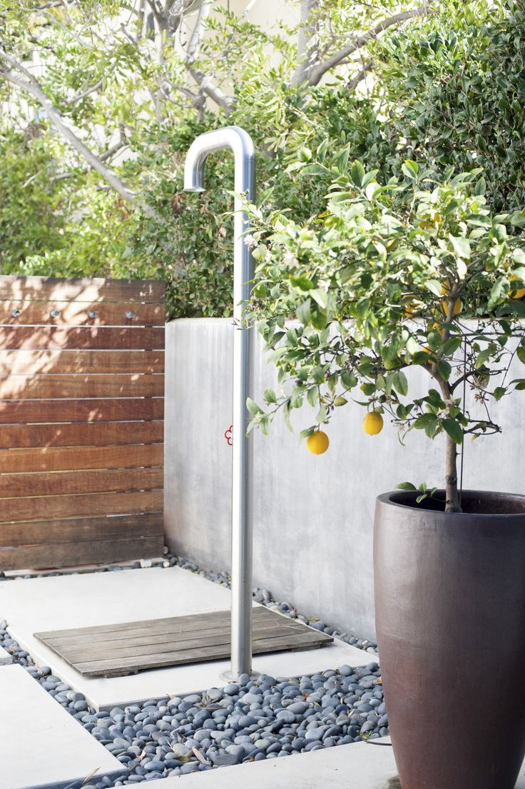 Contemporary outdoor shower: http://www.stylemepretty.com/living/2015/06/19/30-outdoor-spaces-we-want-to-spend-all-summer-in/