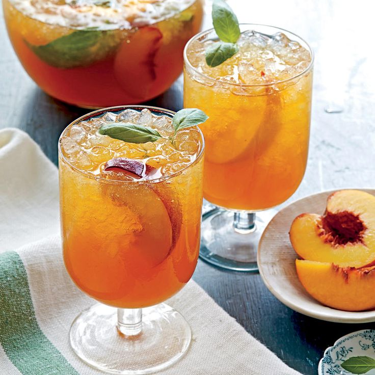 5-Ingredient Cocktail Recipes: Peach-Basil Iced Tea