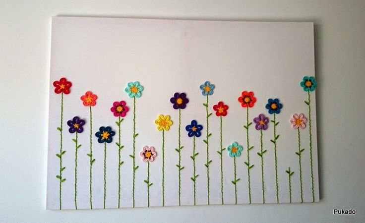 Crochainting - Crochet flowers on canvas with embroidered stems - Tutorial by Pukado / Patricia Stuart: