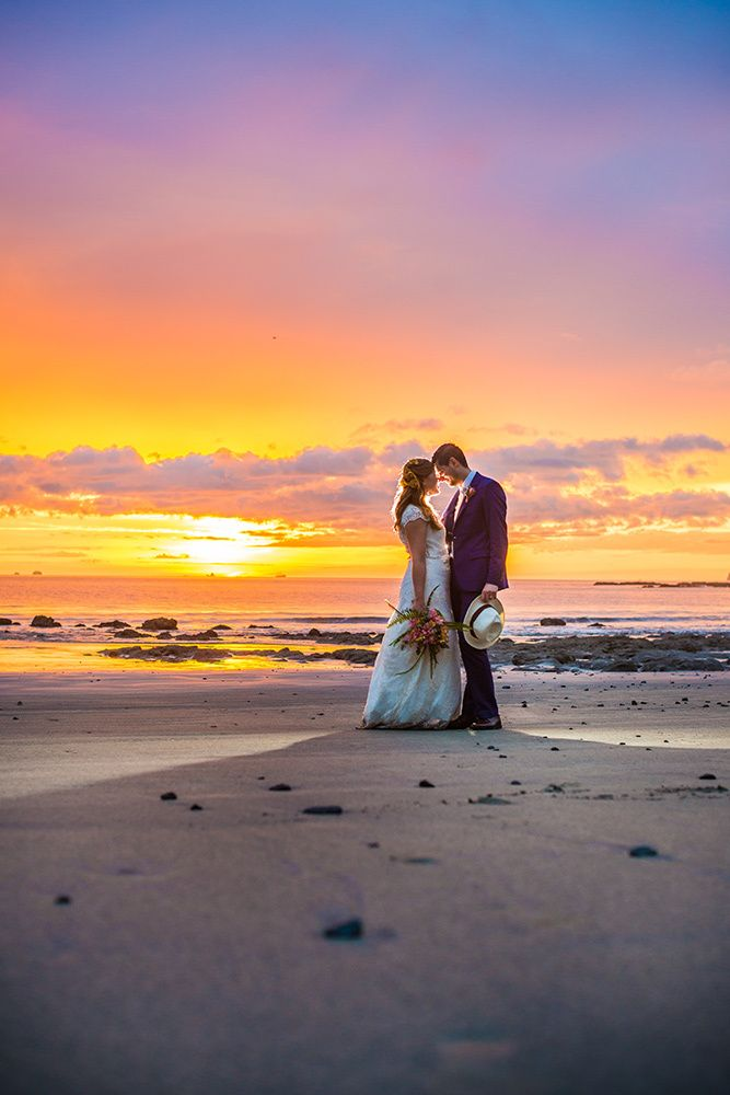 Abby and Rodrigo had a beautiful wedding at the Sugar Beach hotel with the help of their wedding planner Susan Flores Events.  The Sugar Beach hotel is located on Costa Rica's northern Pacific coast, in the province of Guanacaste, nestled across a 24-acres and located in a secluded cove on Playa