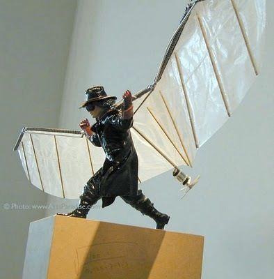 Dit is een mannetje dat probeert te vliegen. De bewegint is dat vliegding vast houden en proberen op te stijgen.