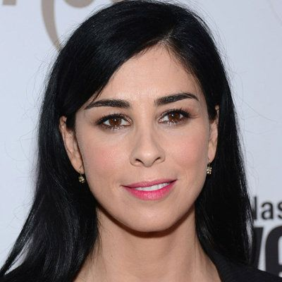 Sarah Silverman wiki, affair, married, Lesbian with age, height, comedian, stand up,