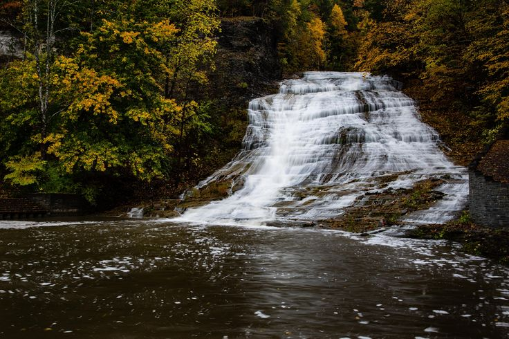 Fall in the finger lakes. Buttermilk falls IthacaNY. [OC][5195x3464]