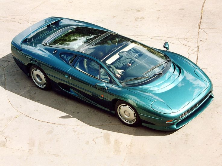 photo of  jaguar xj220 model car