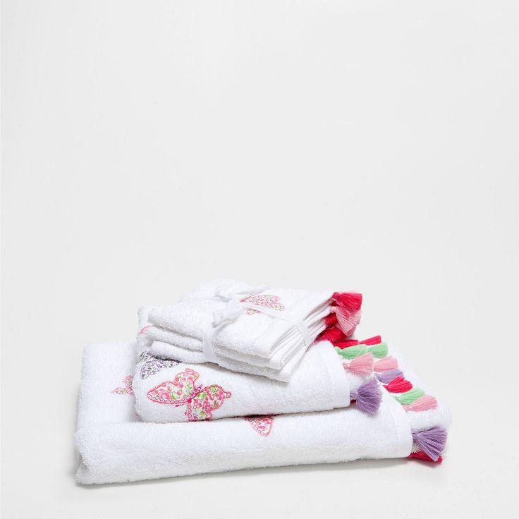 Toalla bordada pomp n toallas ba o zara home espa a for Zara home toallas bano